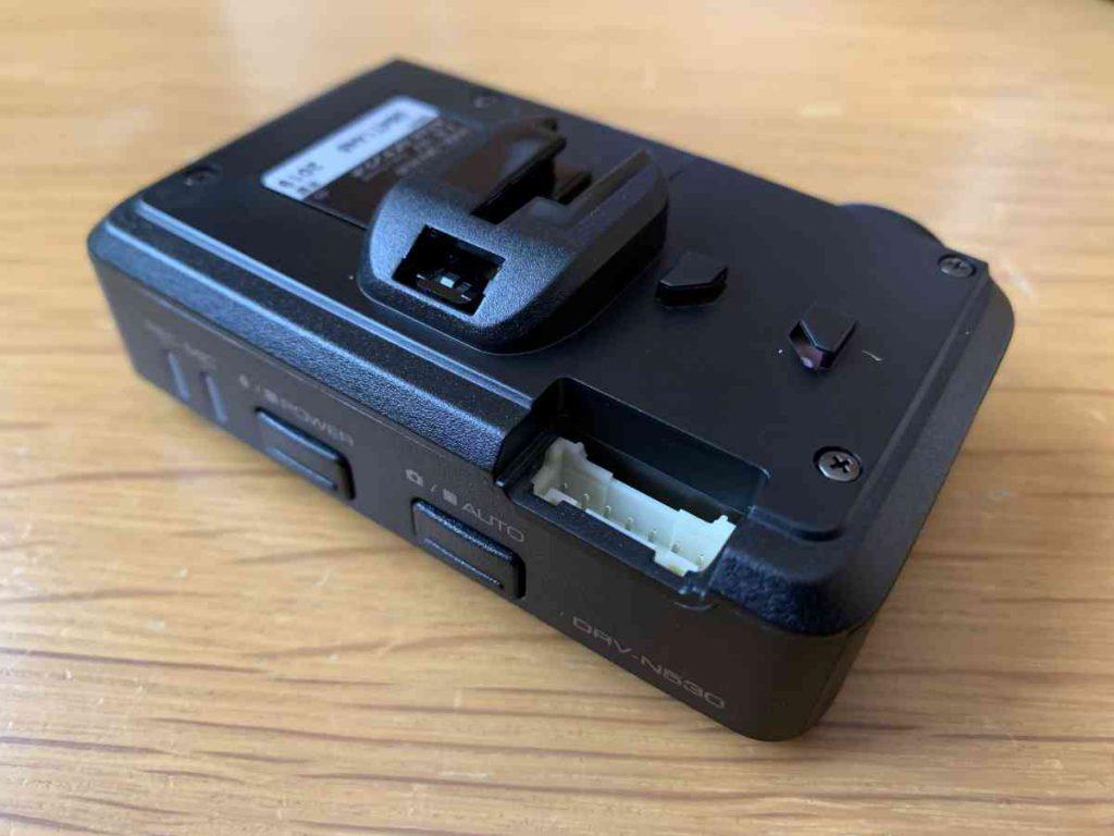 ケンウッド製のドラレコ DRV-N530 裏面コネクター部
